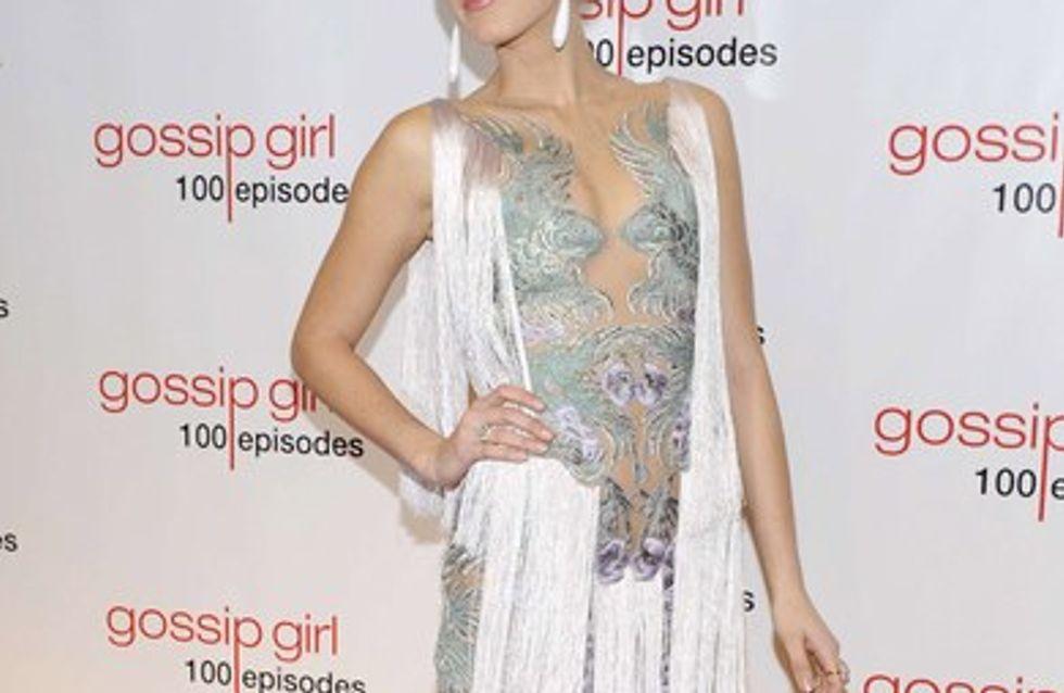 Blake Lively sexy pour fêter le 100e episode de 'Gossip Girl'