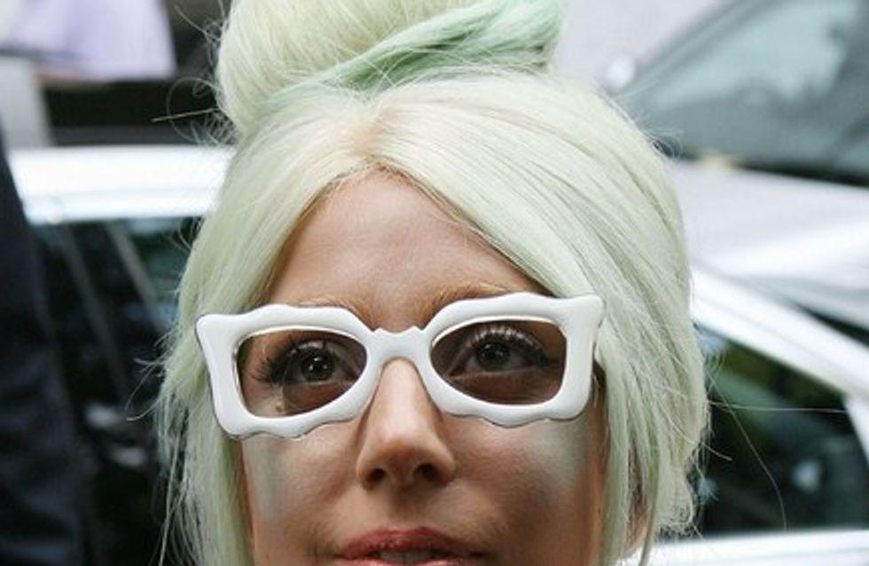 Lady Gaga offre la moitié de sa fortune à son père...