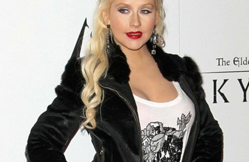 Christina Aguilera fière de ses formes