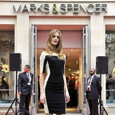 Rosie Huntington-Whiteley : sexy pour l'inauguration de Marks & Spencer