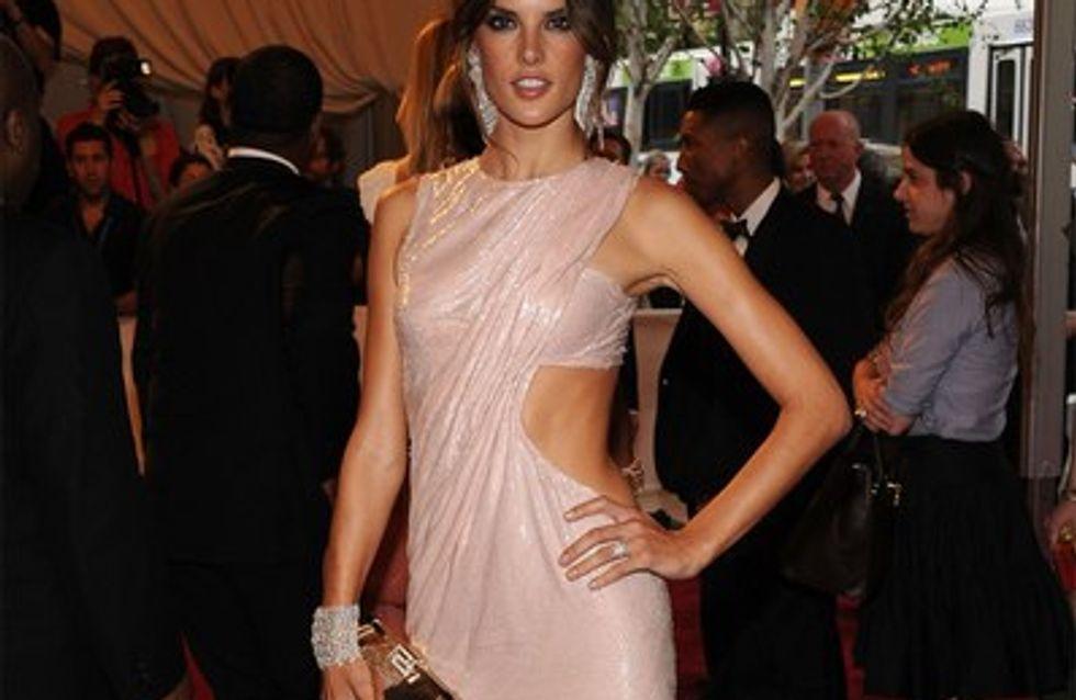 Alessandra Ambrosio : Elle affiche ses courbes de femme enceinte