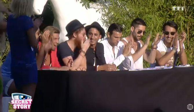 Les garçons réunis pour l'élection de Miss Secret Story 8