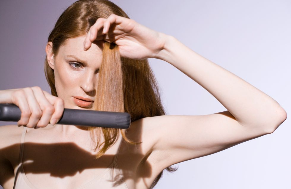 Un fer à lisser pour changer la couleur de nos cheveux