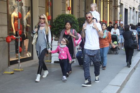 Eleonora Abbagnato insieme al marito e alle figlie