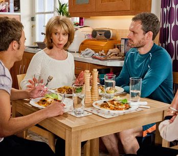 Coronation Street 15/08 – Ken's visit pushes Peter to the edge