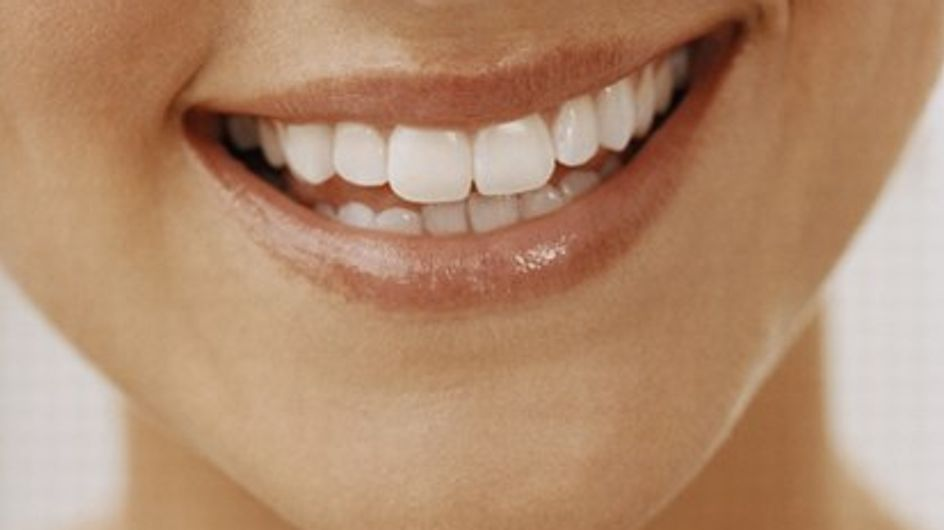 Come mantenere i denti bianchi?