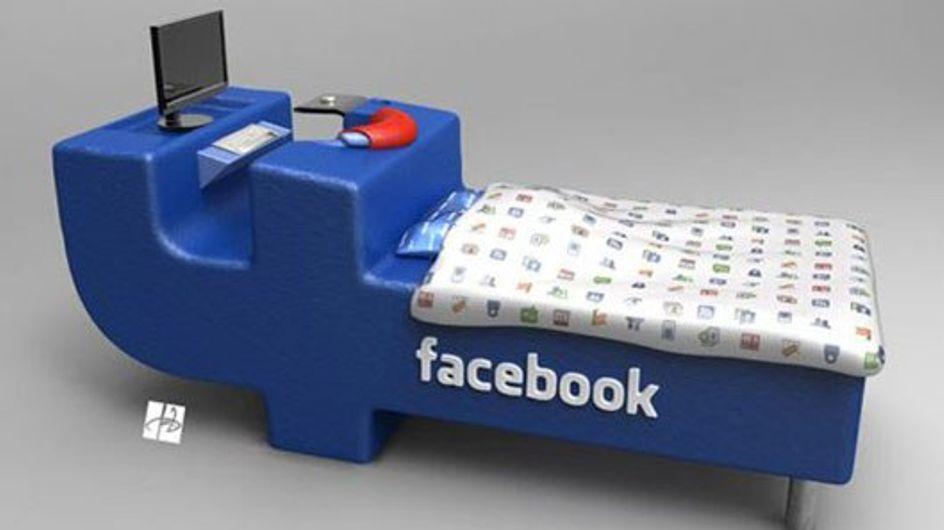 Il letto per i Facebook addicted