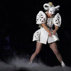 Lady Gaga si opera all'anca. Addio tour