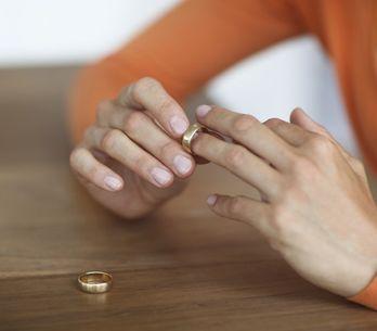 Le 5 fasi della separazione: dalla rabbia alla serenità