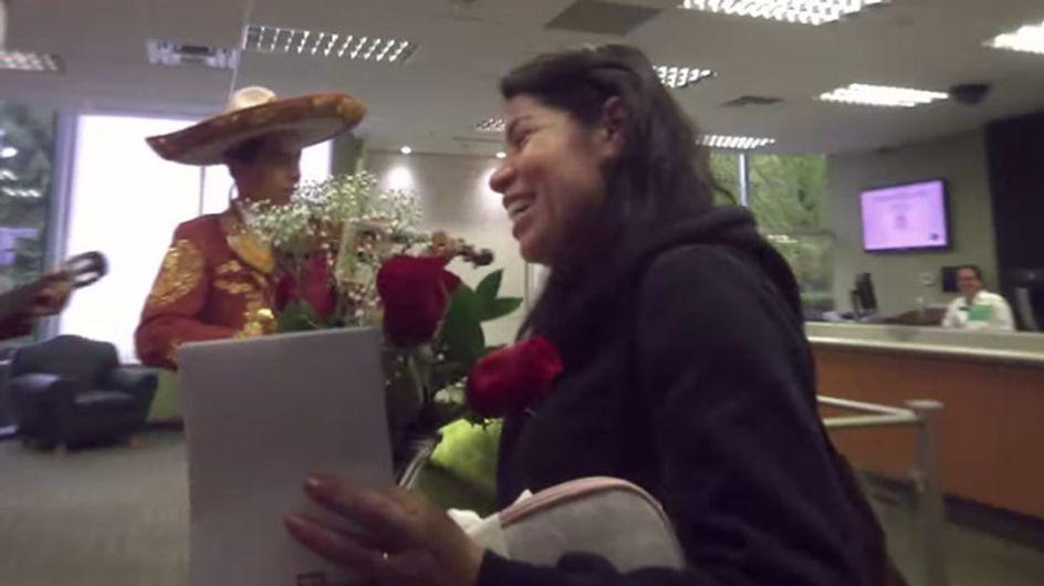 Freudentränen vorm Geldautomaten! Diese Bank hat ein riesiges Herz für ihre Kunden ❤