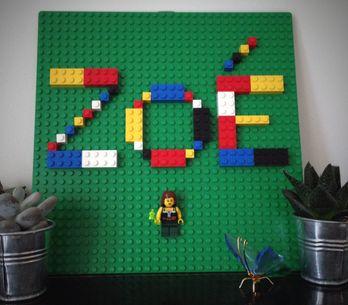 Tuto : fabriquez des écriteaux prénoms en briques LEGO® avec vos enfants !
