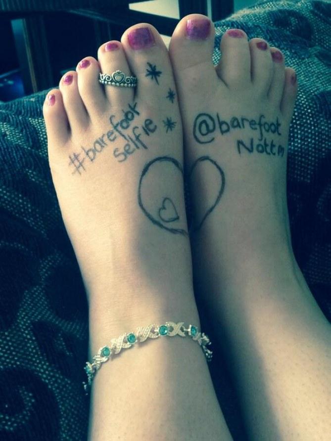 Mit Krönchen! Die Füße von Stephanie Murphy
