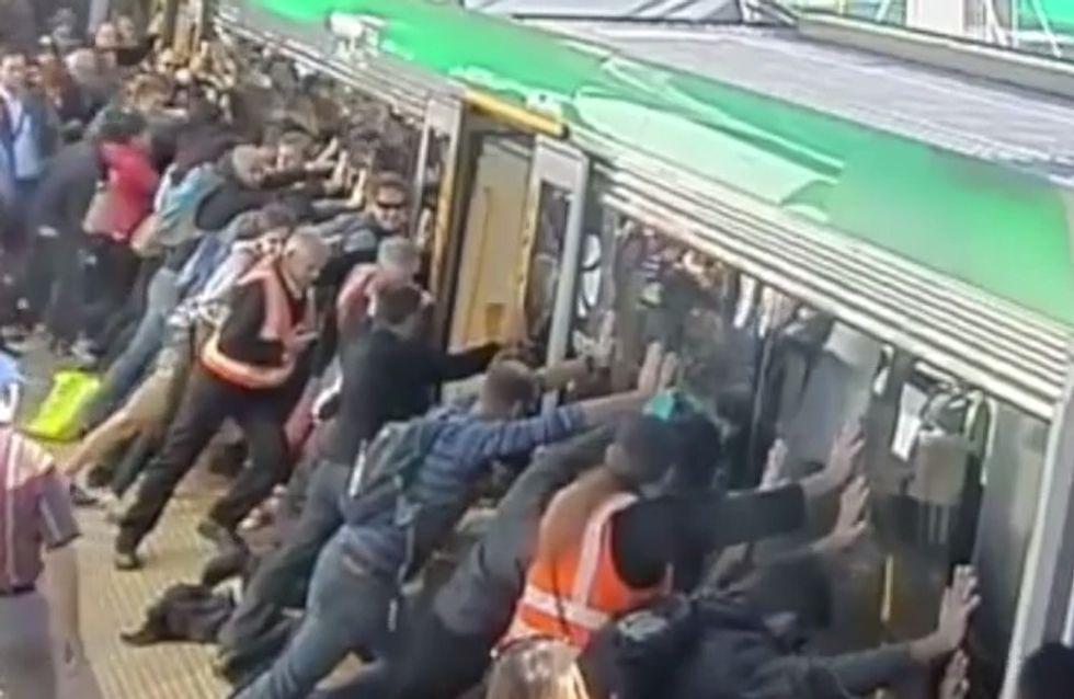 Australie : Un homme coincé sous le métro sauvé grâce à la solidarité des passagers (Vidéo)