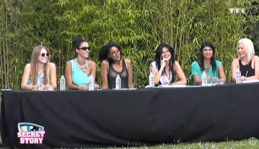Les filles prêtes pour l'élection de Miss Secret 2014