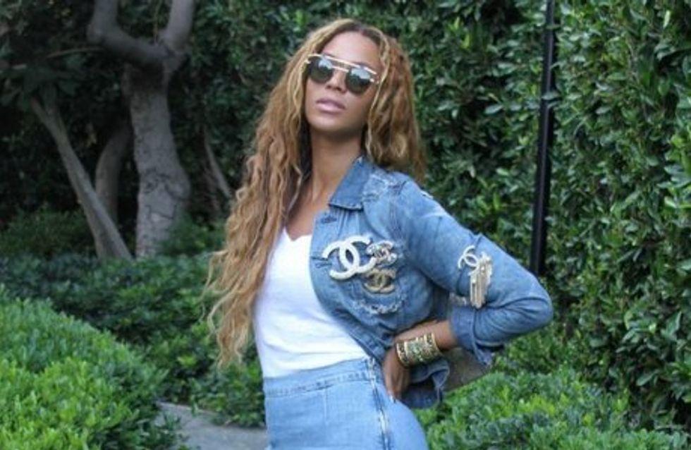 """Beyoncé : """"Crazy in love"""" de son look denim Chanel ?"""