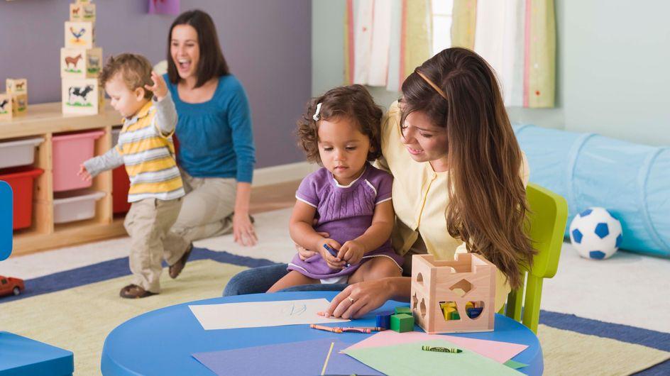 Tips van experten en getuigenissen van ouders over kinderen in de opvang