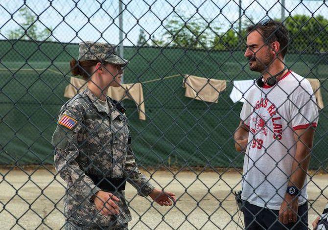 Kristen Stewart sur le tournage de Camp X-Ray