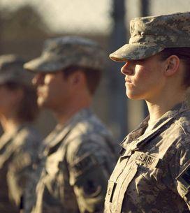 Kristen Stewart : Militaire de choc pour Camp X-Ray (Photos et vidéo)