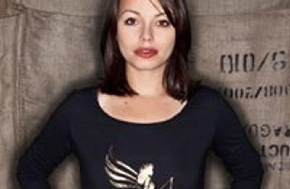"""Cosma Shiva Hagen entwirft Shirt für """"armedangels"""""""