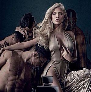 Lady Gaga pour son nouveau parfum Eau de Gaga