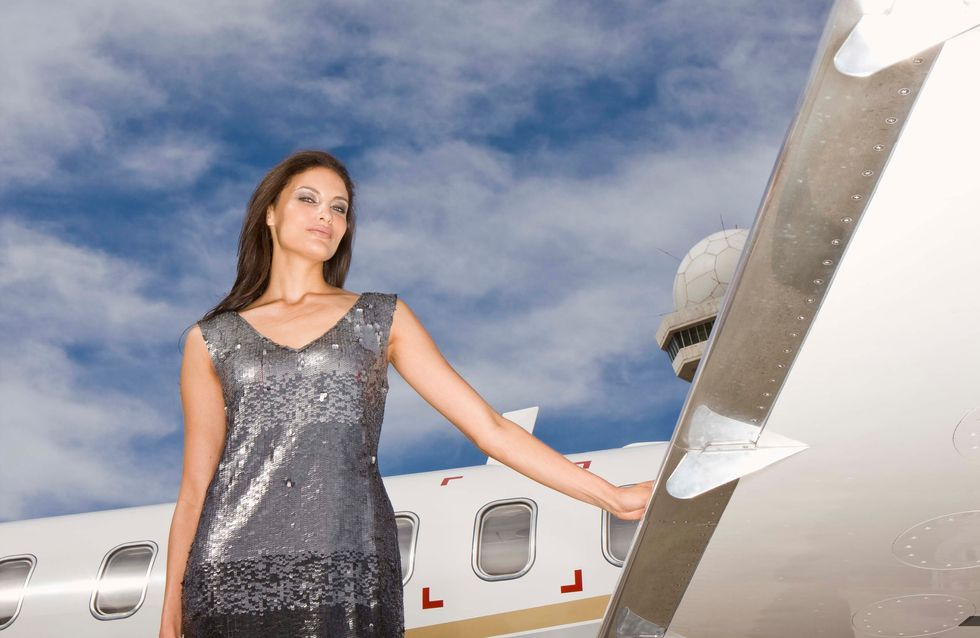 Convaincue que son mari la trompe, elle empêche son avion de décoller