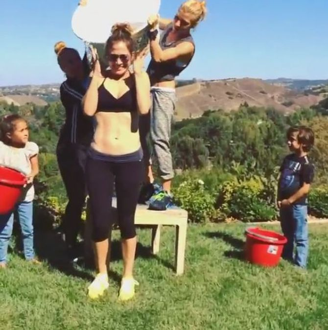 Jennifer Lopez Ice Bucket Challenge