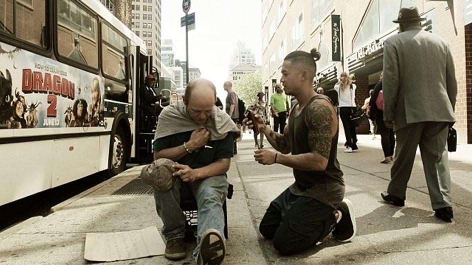 Chaque dimanche, ce coiffeur fait un geste incroyable pour des sans-abris