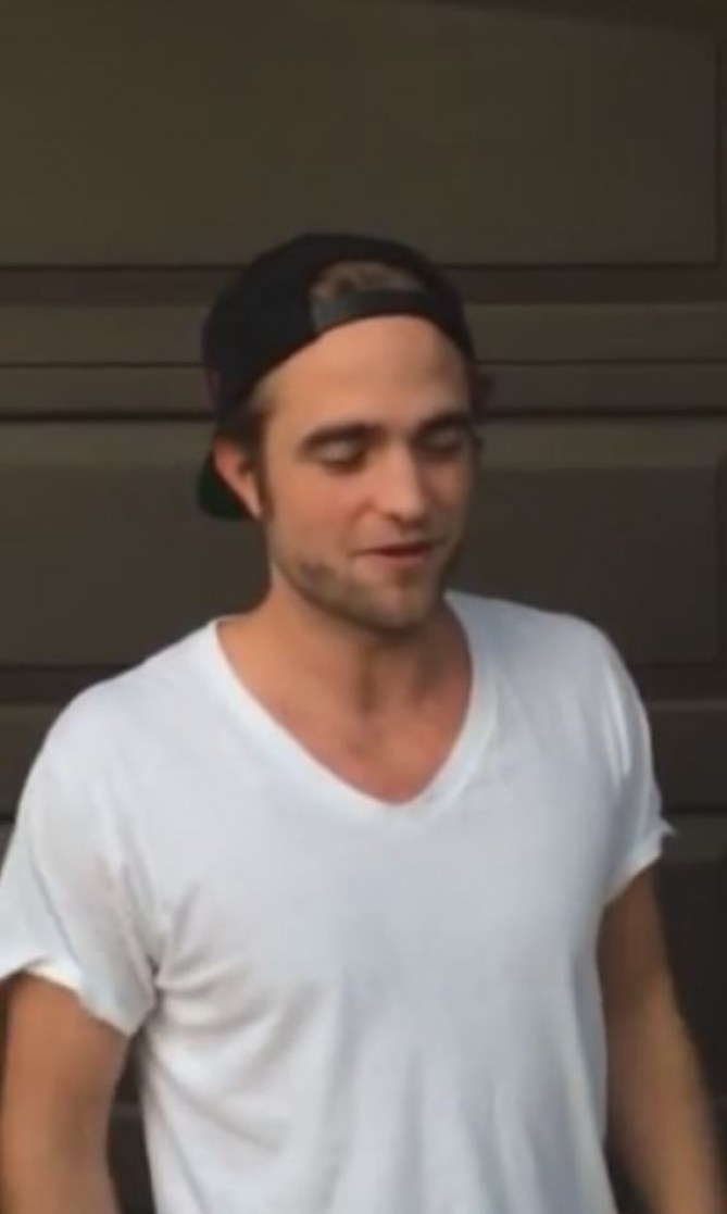 Robert Pattinson Ice Bucket Challenge