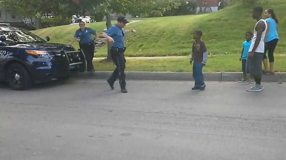VÍDEO: un policía bailarín da el espectáculo