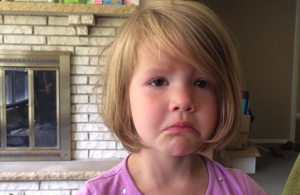 DIESES kleine Mädchen hat aus Versehen ein Foto gelöscht. Ihre Reaktion ist zuckersüß
