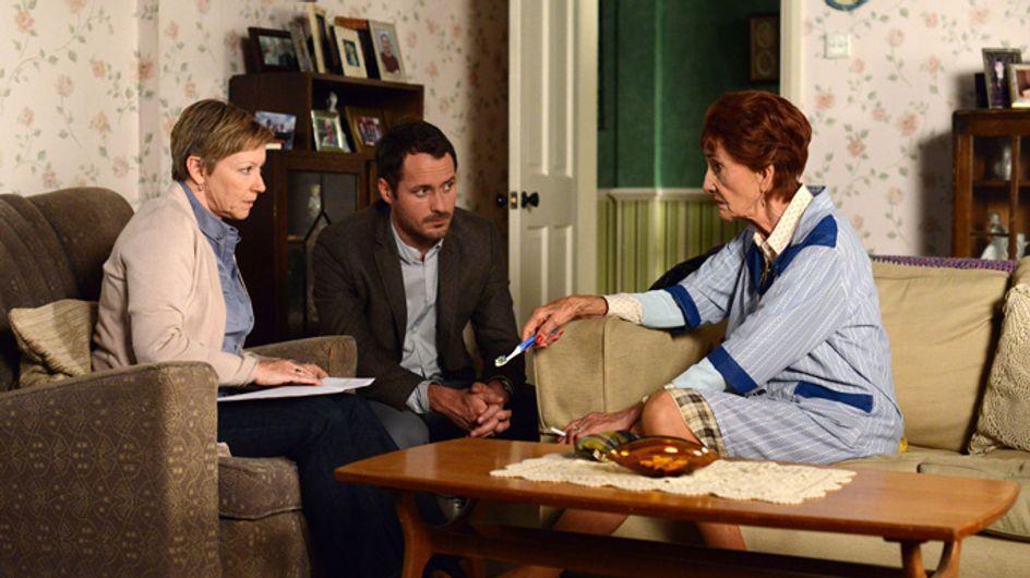 Eastenders 04/09 – Carol tries to distract herself