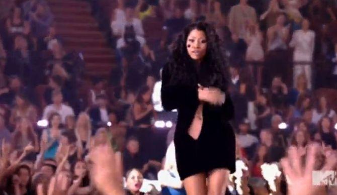 Nicki Minaj sur la scène des MTV VMA 2014