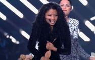MTV VMA 2014 : Nicki Minaj manque de perdre sa robe sur scène (Vidéo)
