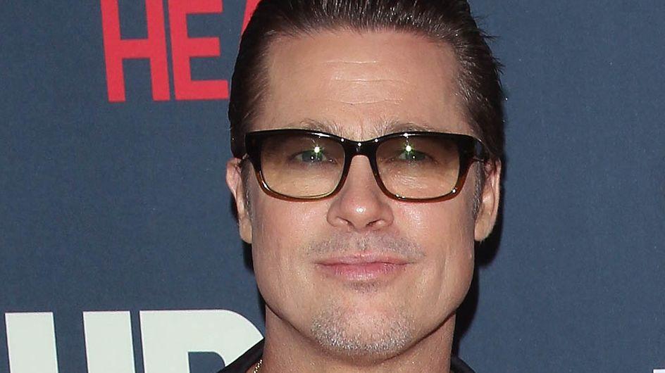 Brad Pitt : Il exhibe son alliance (Photo)