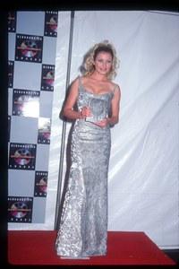 Cameron Diaz aux Blockbusters Entertainment Awards en 1994