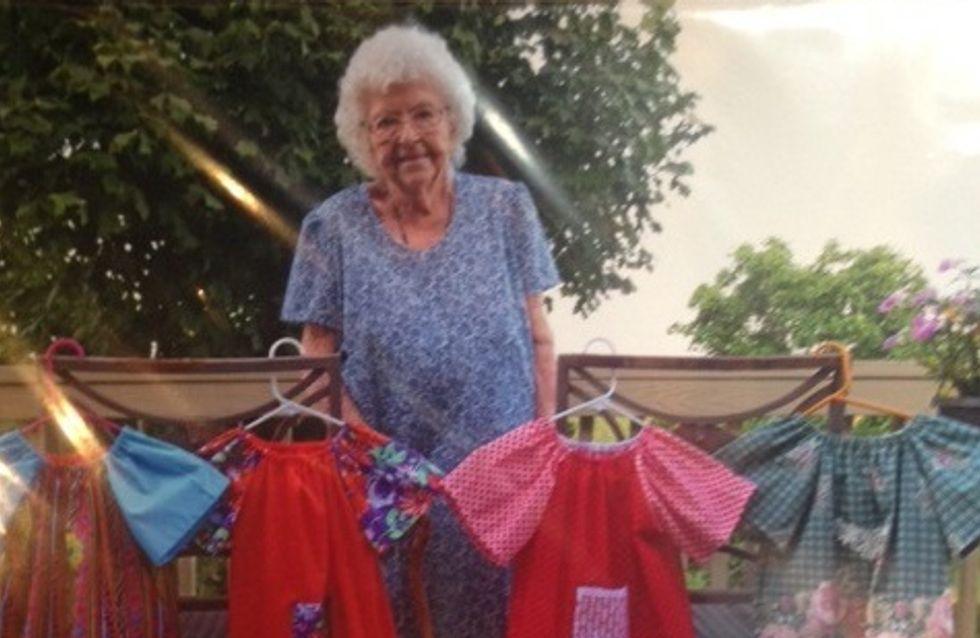 Tous les jours, cette grand-mère de 99 ans fait un magnifique geste pour aider des enfants défavorisés