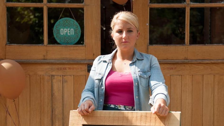 Hollyoaks 11/09 – Esther embarks on her new business venture