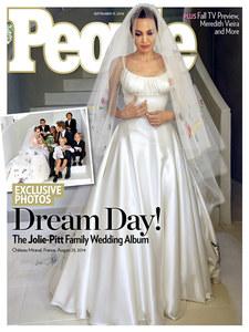 Angelina jolie et sa robe de mariée en couv de People