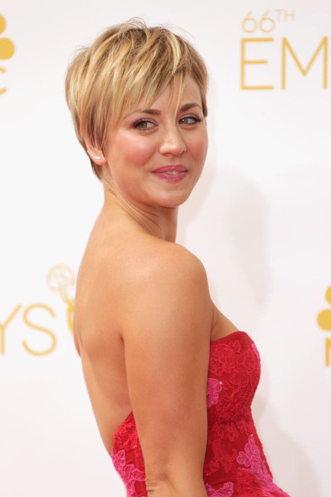 Kaley Cuoco à la cérémonie des Emmy Awards