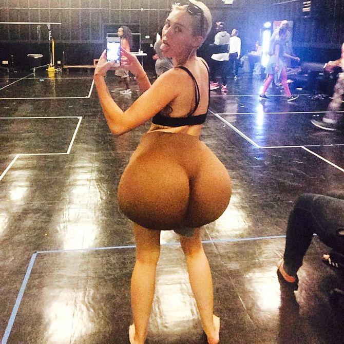 Miley Cyrus s'offre les fesses de Nicki Minaj
