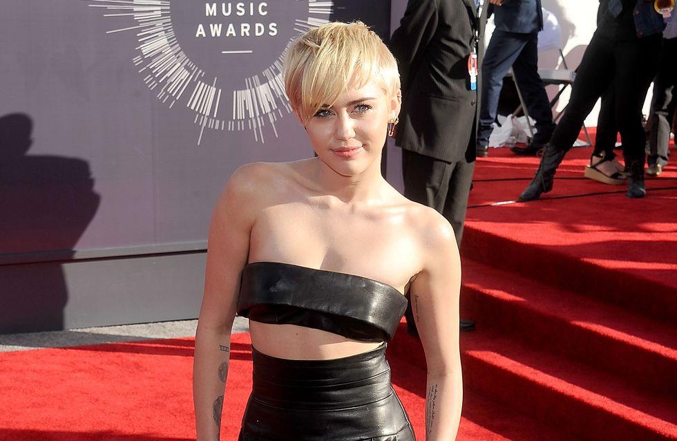 Miley Cyrus : Elle s'offre les fesses de Nicki Minaj (Photo)