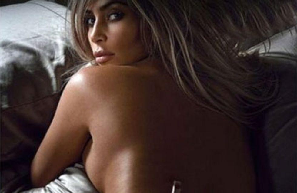 Kim Kardashian realiza un posado subido de tono