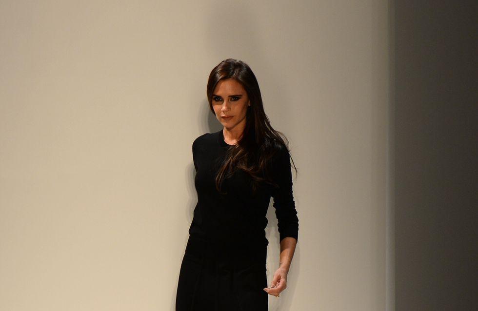 Victoria Beckham : Des chaussures plates pour son défilé (Photos)