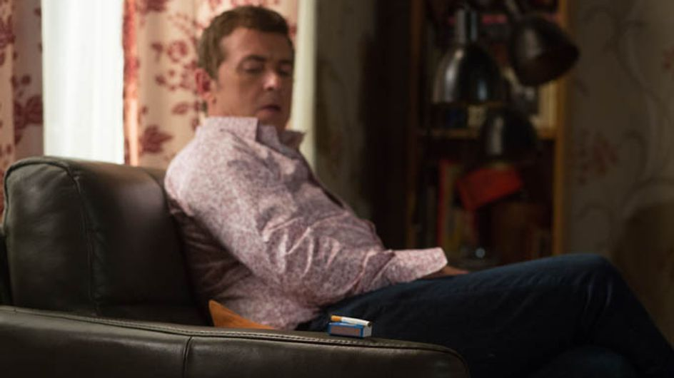 Eastenders 15/09 – Alfie decides to start a fire to claim the insurance