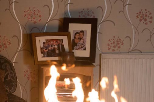 Eastenders 16/09 – Alfie charges into the burning house