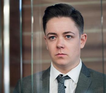 Hollyoaks 17/09 – Everyone gathers at court to hear Finn's plea