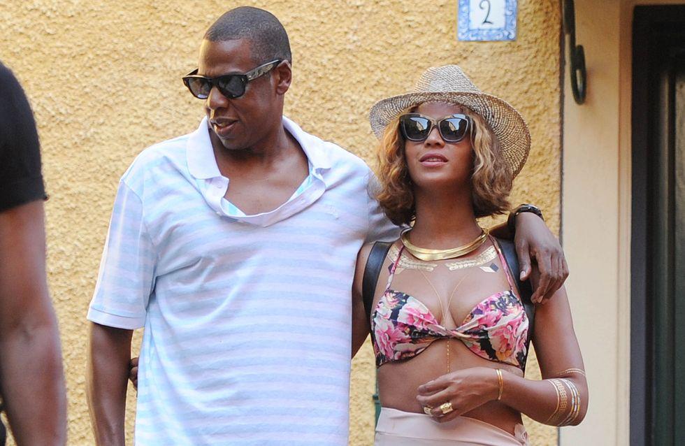 """Beyoncé e Jay-Z: """"Ma quale crisi!"""" Le foto della coppia innamorata e felice in vacanza"""