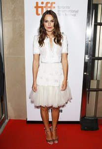 Keira Knightley, en Chanel, au Festival International du film de Toronto