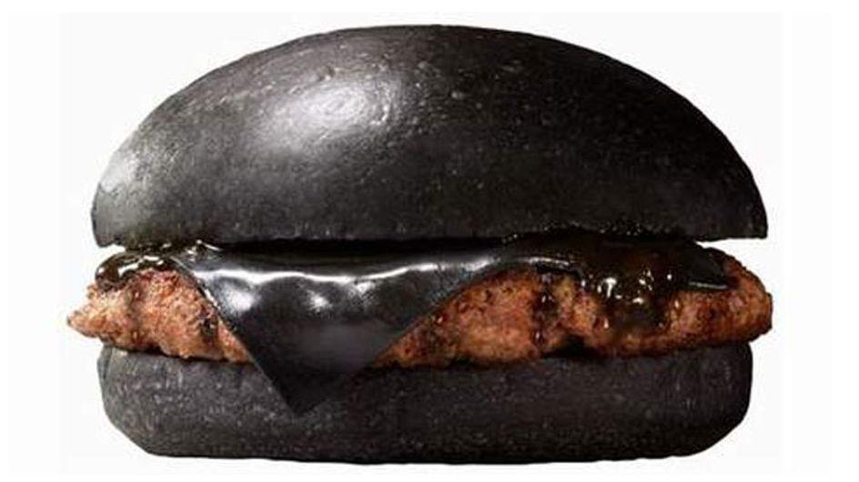 La ¿deliciosa? e impactante hamburguesa negra