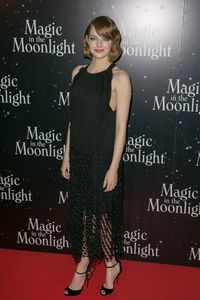 Emma Stone à l'avant-première parisienne de Magic in the Moonlight